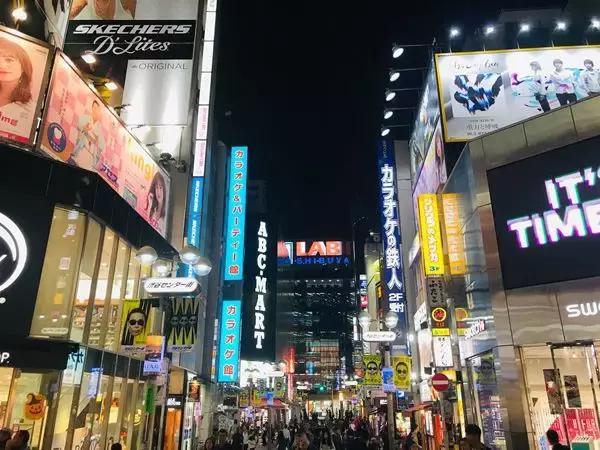 热情又冷漠,克制又放纵,日本人将两面性展现的淋漓尽致!