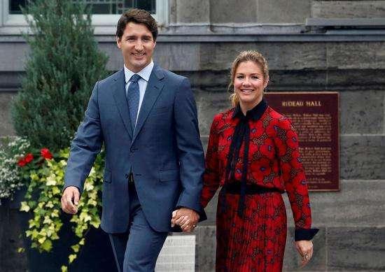 为对抗新冠疫情加拿大政府宣布每人每周补贴573加元失业金