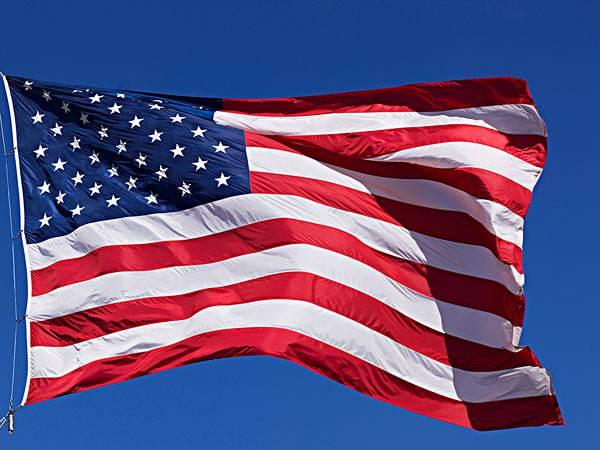 美国移民政策再次变动,绿卡禁令延至年底!