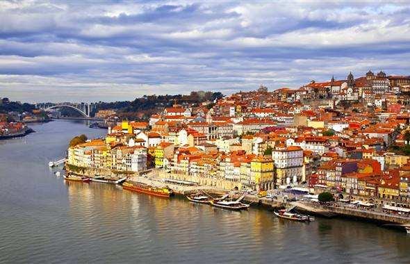 为什么选择葡萄牙投资移民?这些优势真的吸引人!