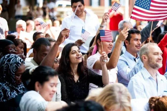 美国宣布全面移民法案:5年合法居留,8年入籍!